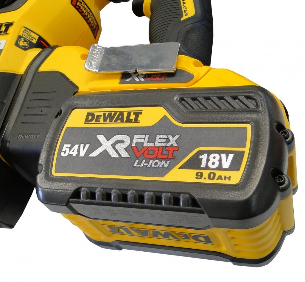 akkumulyator-dewalt-xr-flexvolt-54-v.jpg