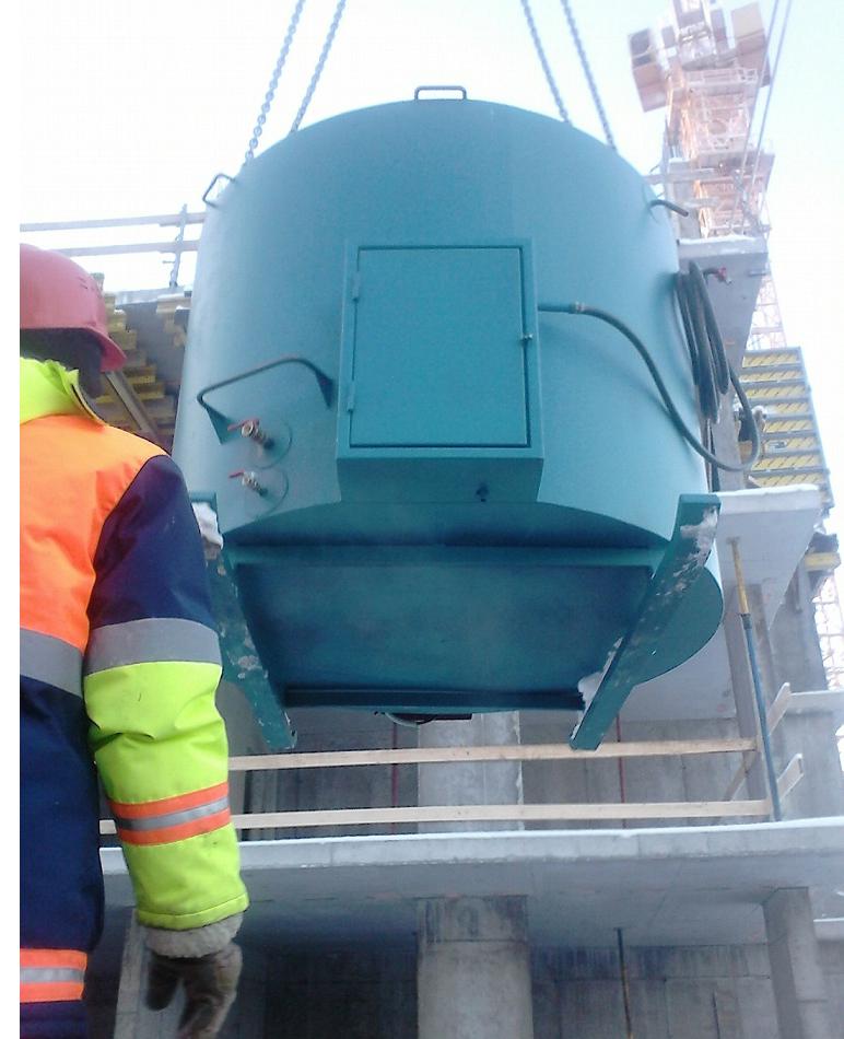 Бак для нагрева воды на стройплощадке